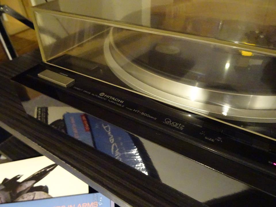 gramofon hitachi HT-500 MKII.jpg
