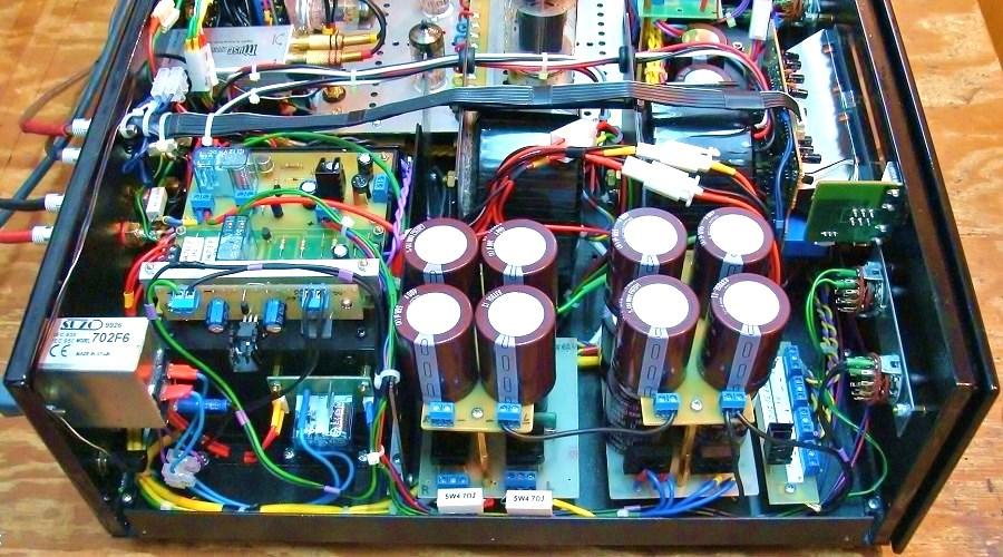 7. Zasilacze anodowe, żarzenia +12,6V. TS toroidalny przykryty ekranem z układami wspomagającymi..JPG