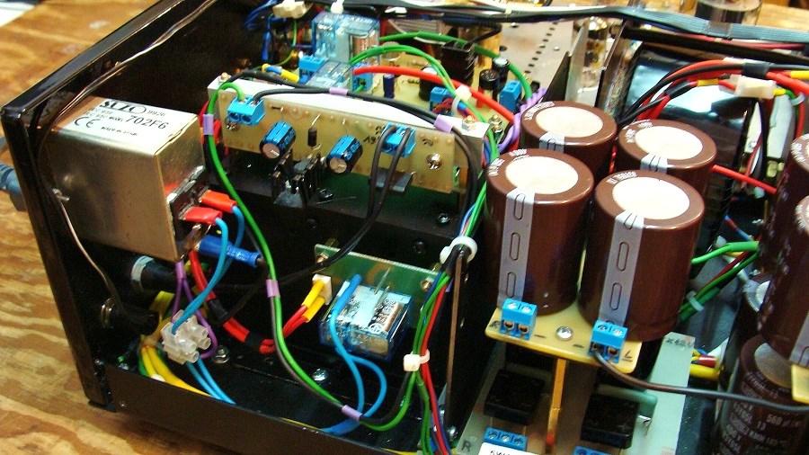 18 Płytka zasilacza 12,6V dla podtrzymania napięcia dla przełącznika Power.JPG