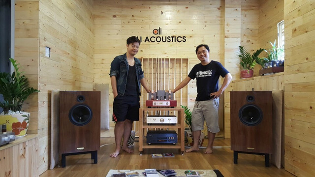 Ali  acoustics 2.jpg
