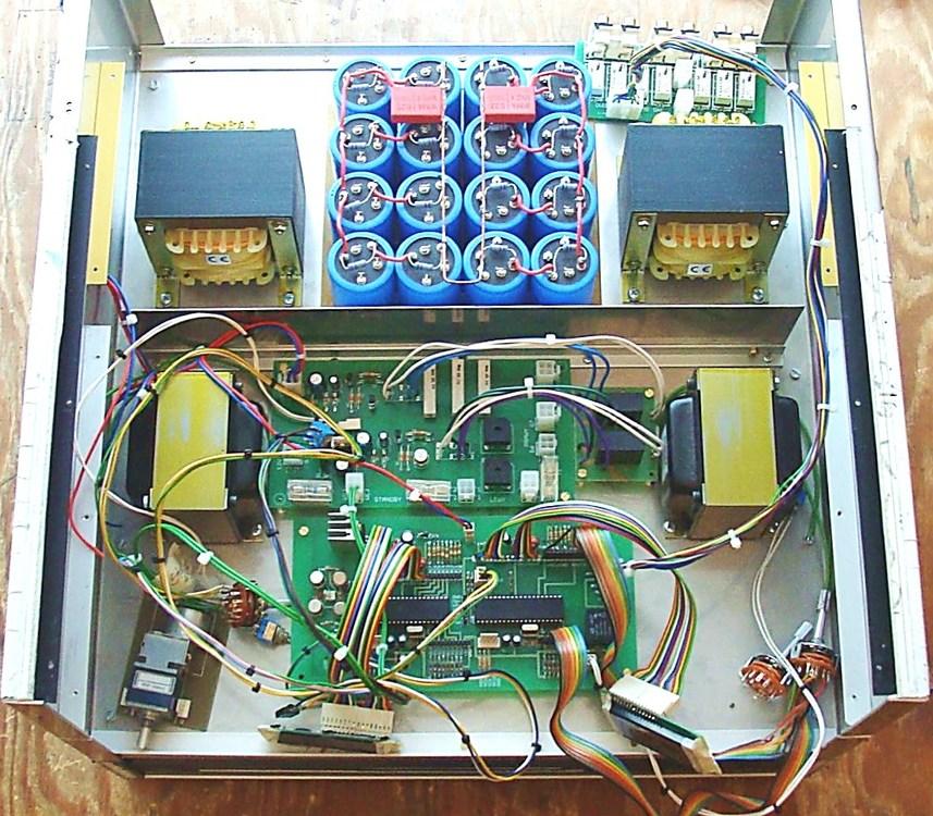 7) Zamontowane płytki Soft startu-opóźnienia oraz sterownik.JPG