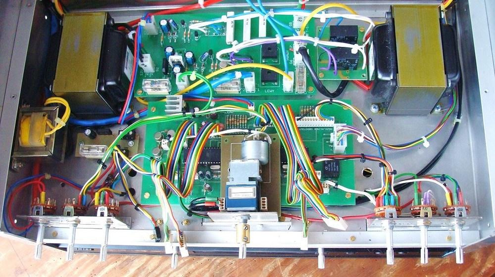 10) Układy sterujace, dławiki, potencjometr ALPS z silnikiem.JPG