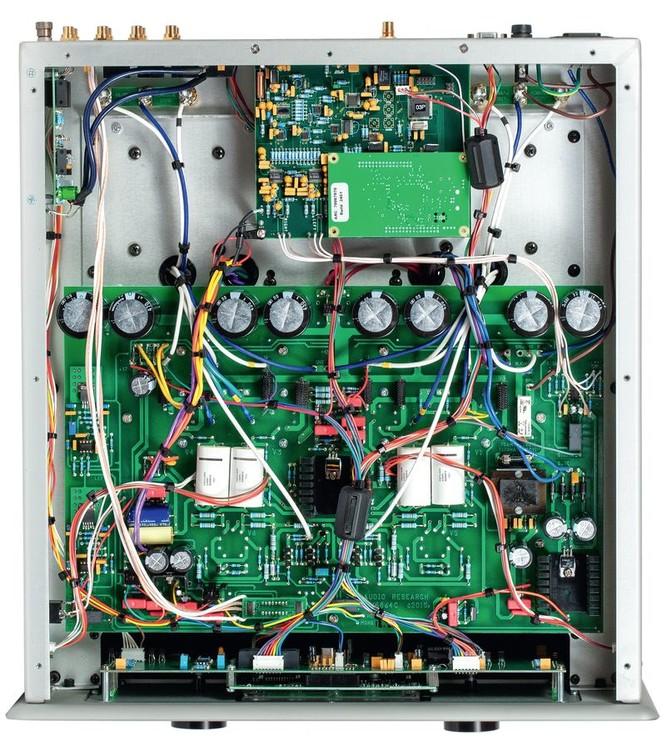 wzmacniacz-zintegrowany-audio-research-gsi75-audiocompl-fot4.thumb.jpg.cead2e08a670b24086ab69f1e22150be.jpg