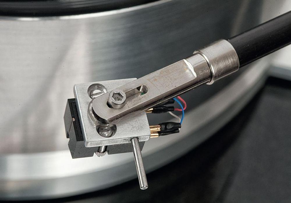 gramofon-minor-signature-audiocompl-wkladka-fot12.thumb.jpg.e804952767ca663587a0f3feb8e602af.jpg