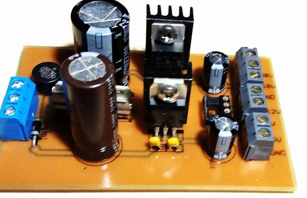 8) Zasilacz dla dodatkowych układów +5V, 12V, 18V, 30V.jpg