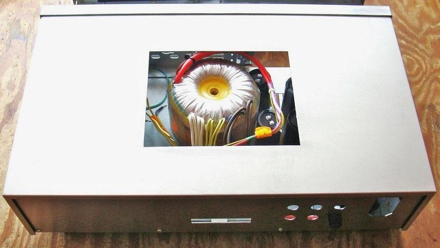7) Zasilacz wycięty otwór wentylacyjny.JPG