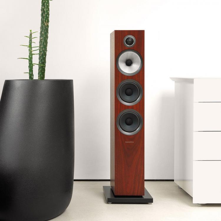 1-3-704-s2-rosenut-700-series2-speaker.thumb.jpg.6f5de9775b8567f5a2cb45e0c4d78c7d.jpg