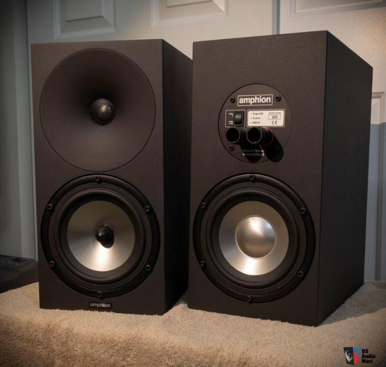 2536297-5066afb3-amphion-argon-3s-bookshelf-speakers-excellent-condition.thumb.jpg.5b782222f5427efe195538c020575fd1.jpg